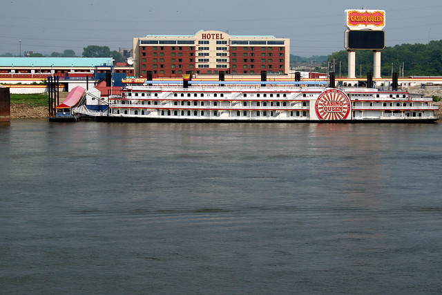 river queen casino