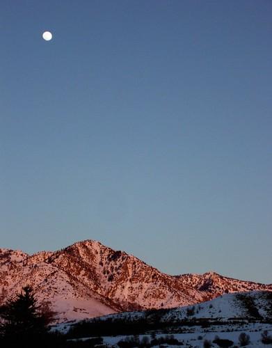 winter sunset moon mountain snow utah richmond cachevalley