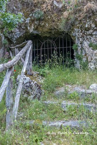 Muro Lucano (PZ), 2015, Il sentiero delle Ripe, i ruderi di antichi mulini e il
