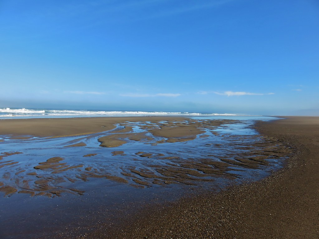 Low tide heading toward Salishan Spit