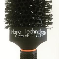 brown(0.0), shave brush(0.0), tool(0.0), iron(0.0), brush(1.0),