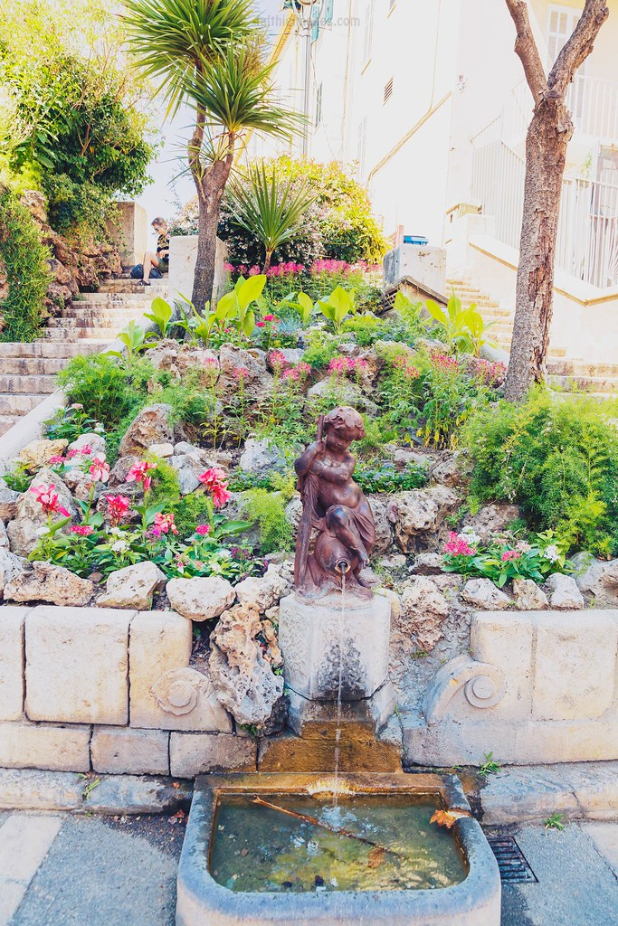 Cute fountain and flowers