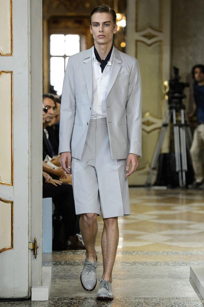 Marc Schulze3211_SS16 Milan Corneliani(fashionising.com)