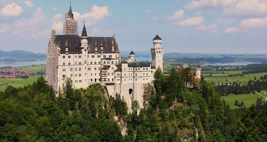 Füssen, Märchenschloss Neuschwanstein von der Marienbrücke aus, 74150/5386