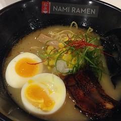 noodle(1.0), meal(1.0), lamian(1.0), ramen(1.0), zåni(1.0), food(1.0), dish(1.0), soup(1.0), cuisine(1.0),