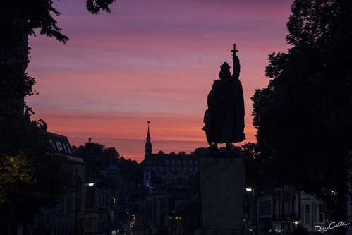 uk sunset england sky color colour statue horizontal king sundown unitedkingdom hampshire winchester estatua reinounido alfredthegreat thebroadway ingleterra alfredoelgrande diegocastillejo