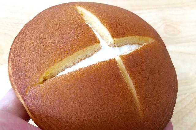 ファミマ「切れてるパンケーキ」
