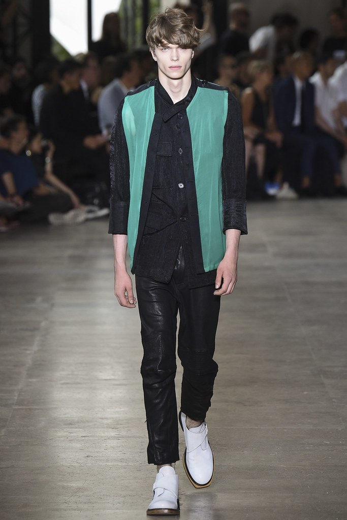 SS16 Paris Ann Demeulemeester014_Jake Love(VOGUE)