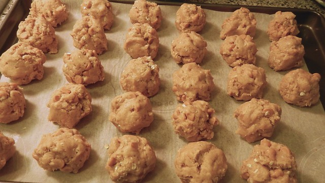Peanut Butter Oatmeal Cookies 8