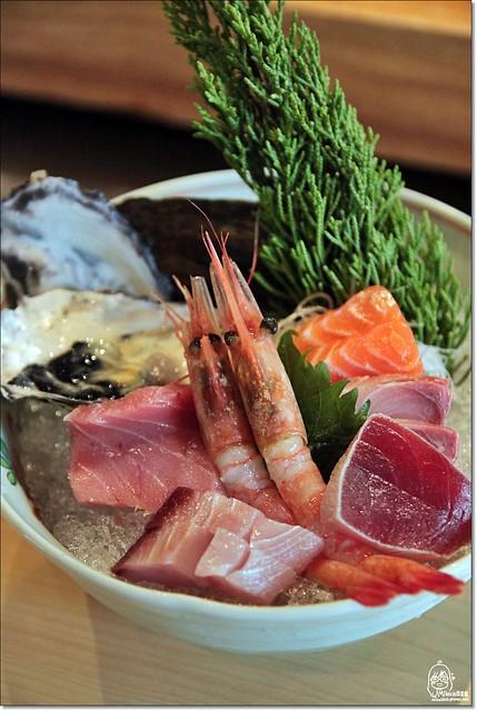 20042851890 5485cec54d z - 『熱血採訪』本壽司sushi stores-職人專注用心的日本料理精神,精緻生猛海鮮無菜單料理。情人節&父親節雙人套餐超值推出,道道是主菜,處處有驚喜。