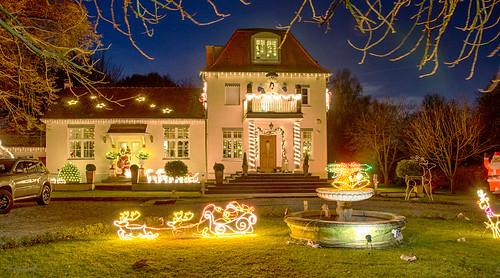 Weihnachtshaus Gravenbruchring