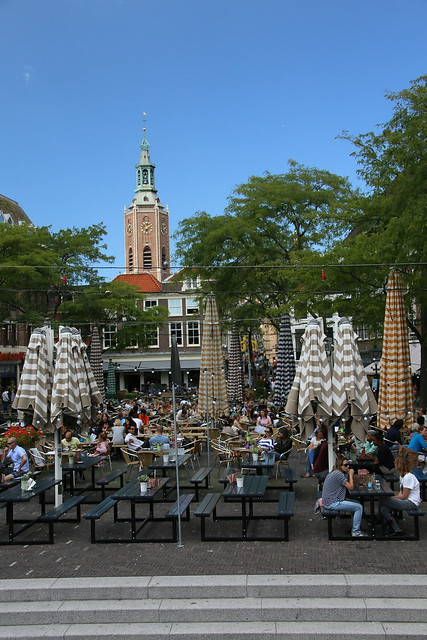 Den Haag, Nederlands.