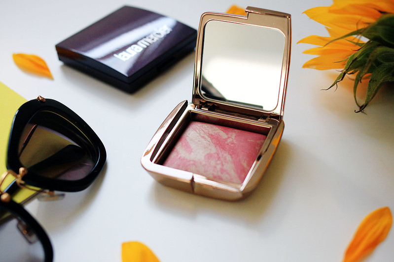hourglass ambient powder blush review