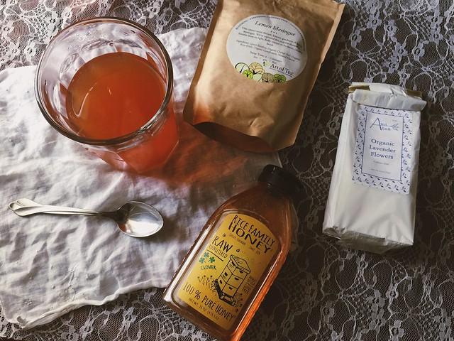 iced lavender lemonade tea #glutenfree at http://violet-woods.blogspot.com