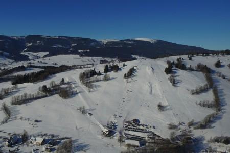 Aktuálně: ještě jeden slunečný lyžařský víkend