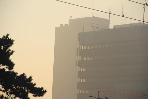 łódź poland polska city cityscape buildings architecture residental sky morning dawn sunrise urban winter snow łódzkie canon canoneos550d canonefs18135mmf3556is