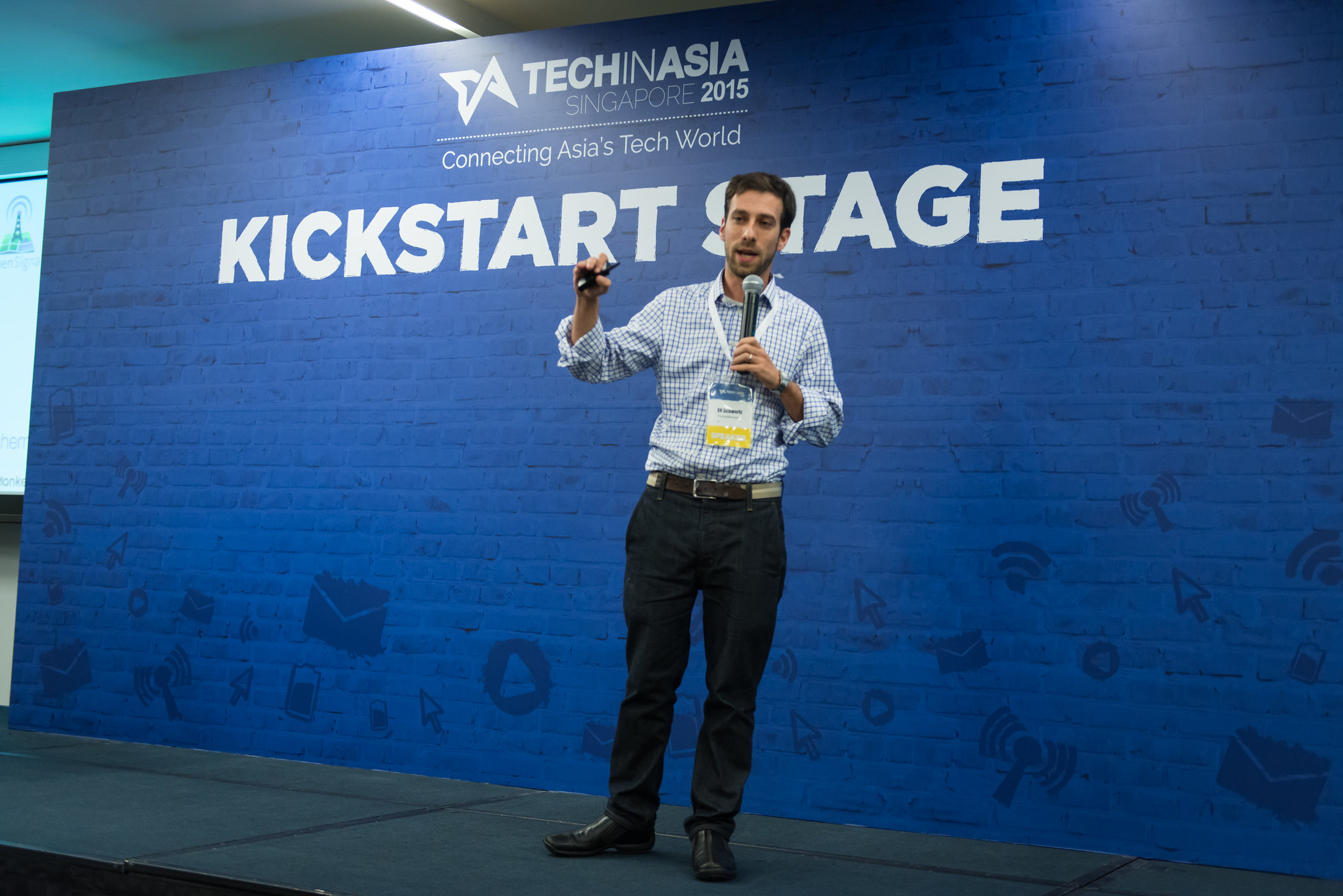 Eli Schwartz of Surveymonkey at Tech in Asia Singapore 2015