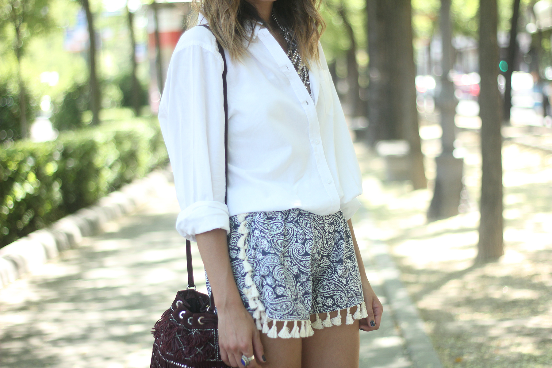 Blue Shorts White Shirt Summer Outfit13