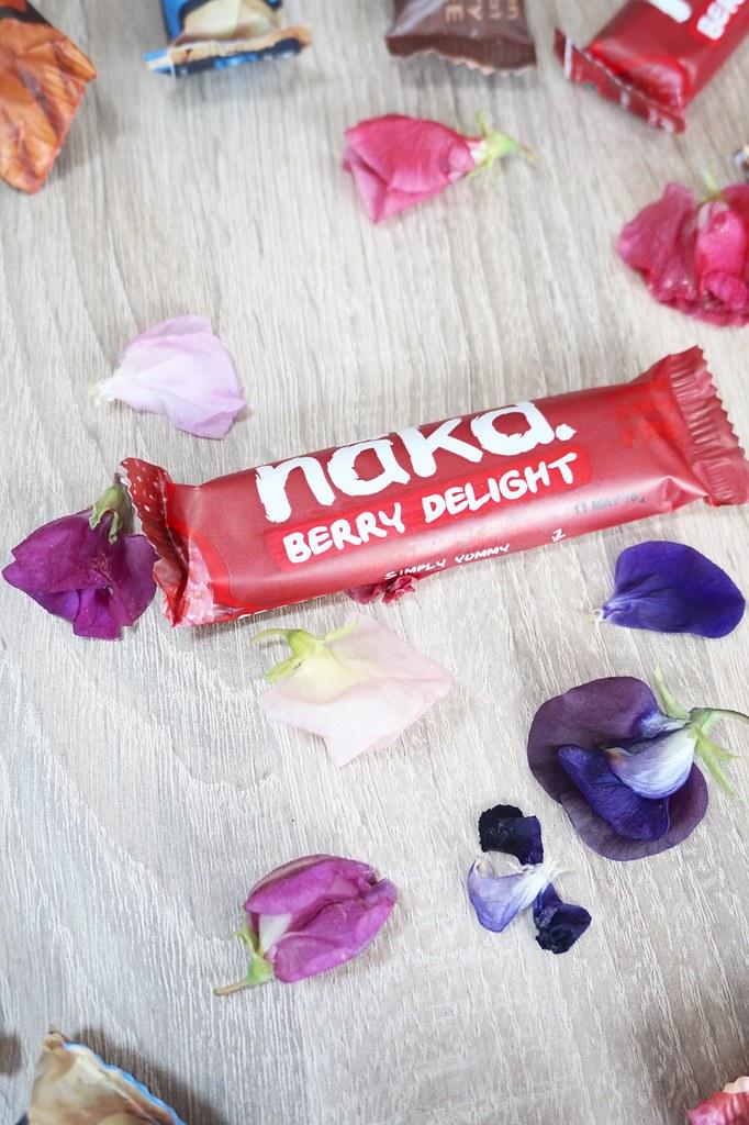 nakd bar,sweet peas,naked bar berry delight