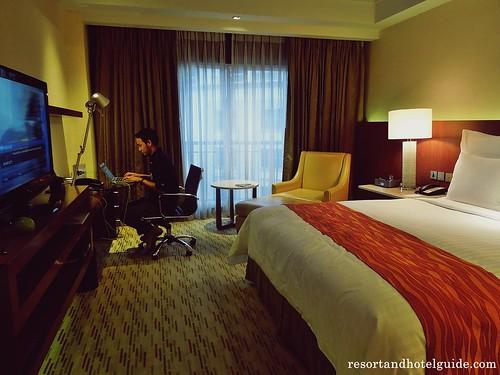 The Marriott Hotel Deluxe Room (5)