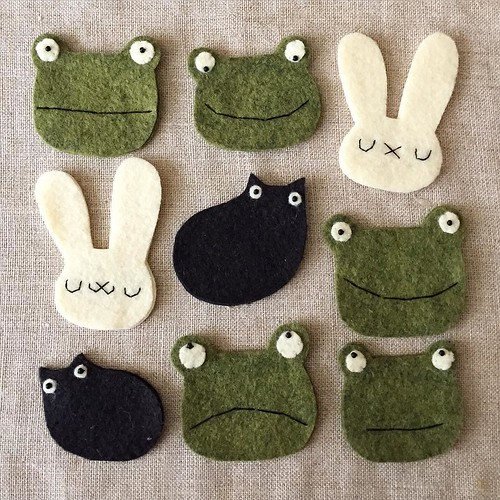 Good morning! This time next week I'll be in San Francisco for Renegade Craft Fair! I'll be posting some sneak peeks (of new & classic designs) here until then. (Thought this bunch of frogs & bunnehs & catloaves was real Brady Bunch like.) #migrationgoods