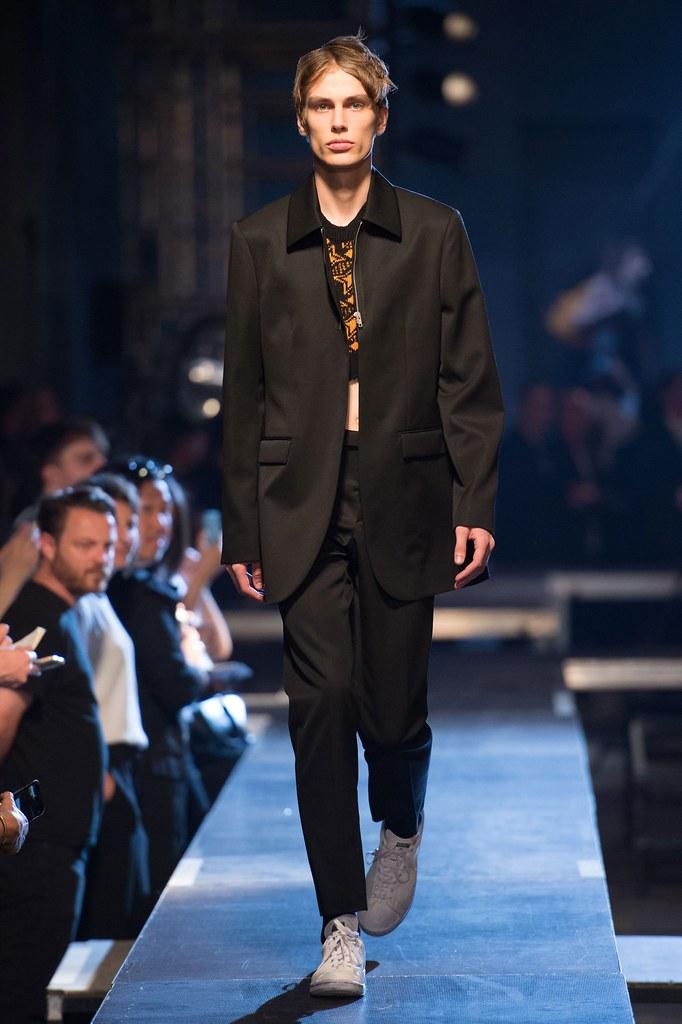 Marc Schulze3255_SS16 Paris Raf Simons(fashionising.com)