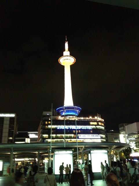 晚上的京都塔