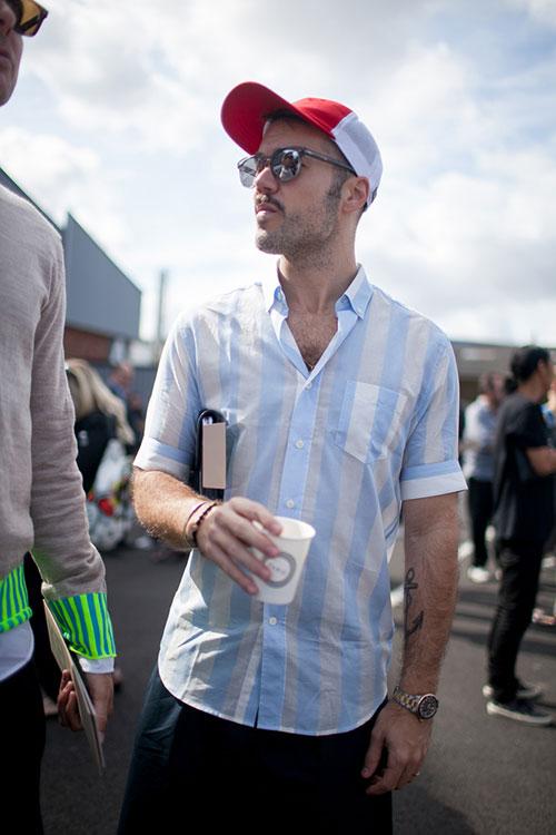半袖ストライプシャツ+メッシュキャップ