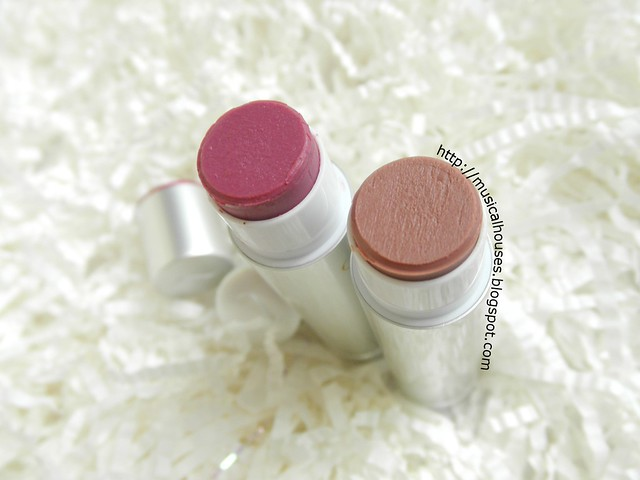 Jane Iredale Lipdrink Lipbalm Buff Crush Open 2