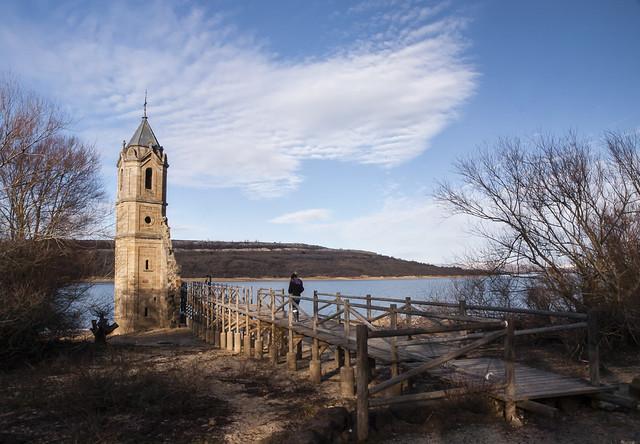 Torre sumergida de las Rozas.