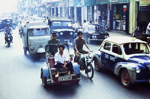 Street scene, Saigon, c.1970 - Đường Đồng Khánh - Photo by Brad