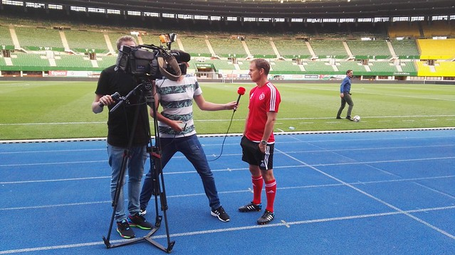 Trainer Frank De Boer im Interveiw mit Ajax TV