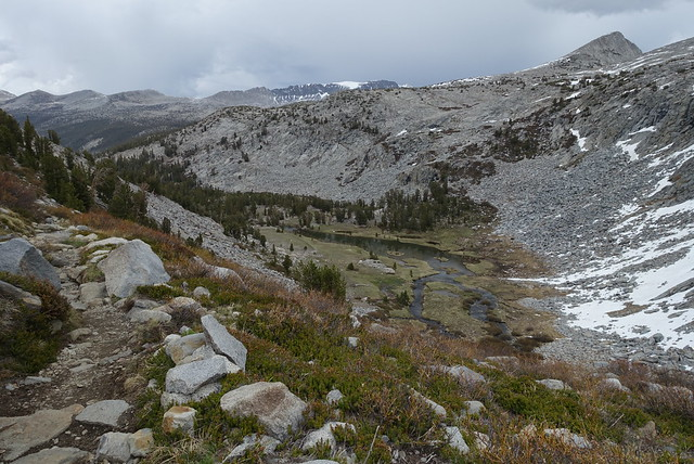 Dropping down from Donahue Pass, m930
