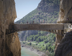 ancient history(0.0), aqueduct(0.0), canyon(1.0), devil's bridge(1.0), arch(1.0), suspension bridge(1.0), tourism(1.0), river(1.0), landmark(1.0), arch bridge(1.0), bridge(1.0),