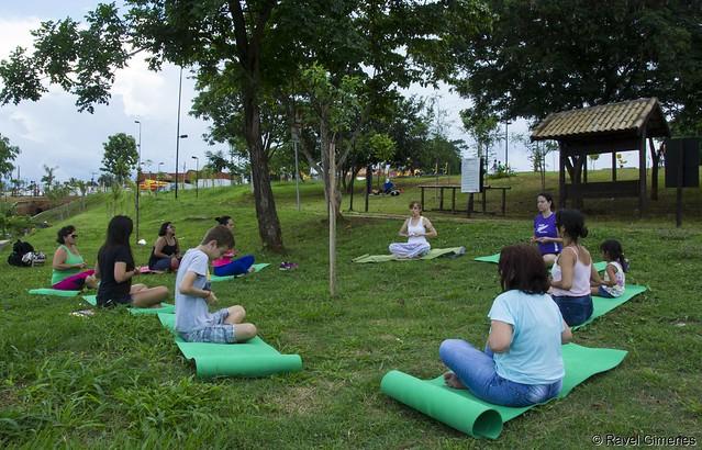 Tarde de Yoga no Parque da Cultura de Votuporanga-SP