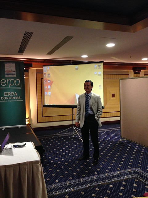 Doç.Dr. Bulunmaz, Atina'daki kongrede iletişim eğitimini anlattı