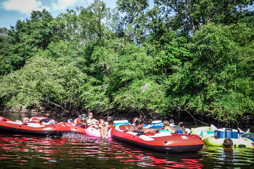 Edisto River Beer Commercial and Rope Swing Float-144