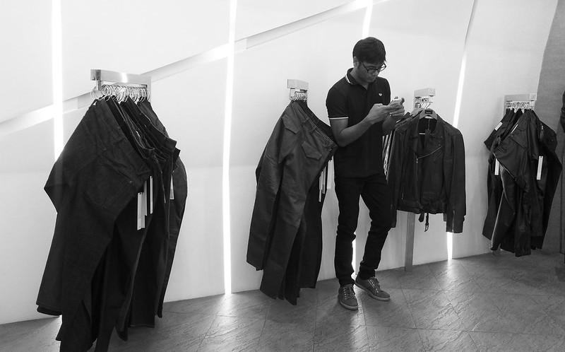 viktor jeans