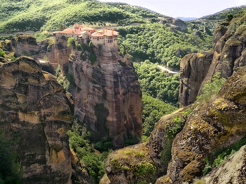 meteora greece grecia europa europe monasterio rocks cliffs acantilados orilla cima top green verde classic