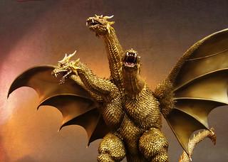 X-PLUS 東寶大怪獸系列 《哥吉拉·魔斯拉·王者基多拉 大怪獸總攻擊》王者基多拉(魏怒羅)  2001年版