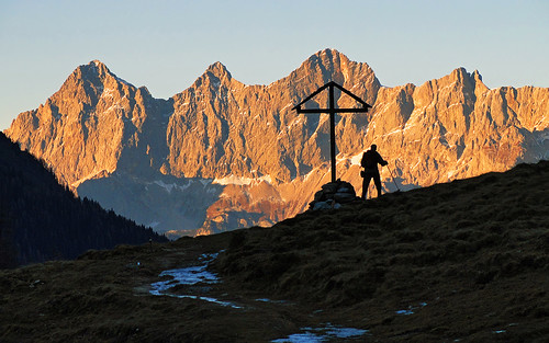 austria outdoor landscape mountain hiking dachstein wall mountainwall eveningglow ursprungalm