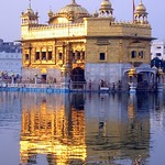 9Lgoldentemple-sahib-reflect2