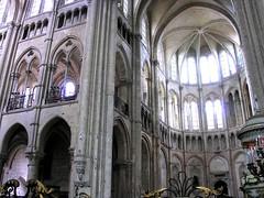 Noyon Transept 02