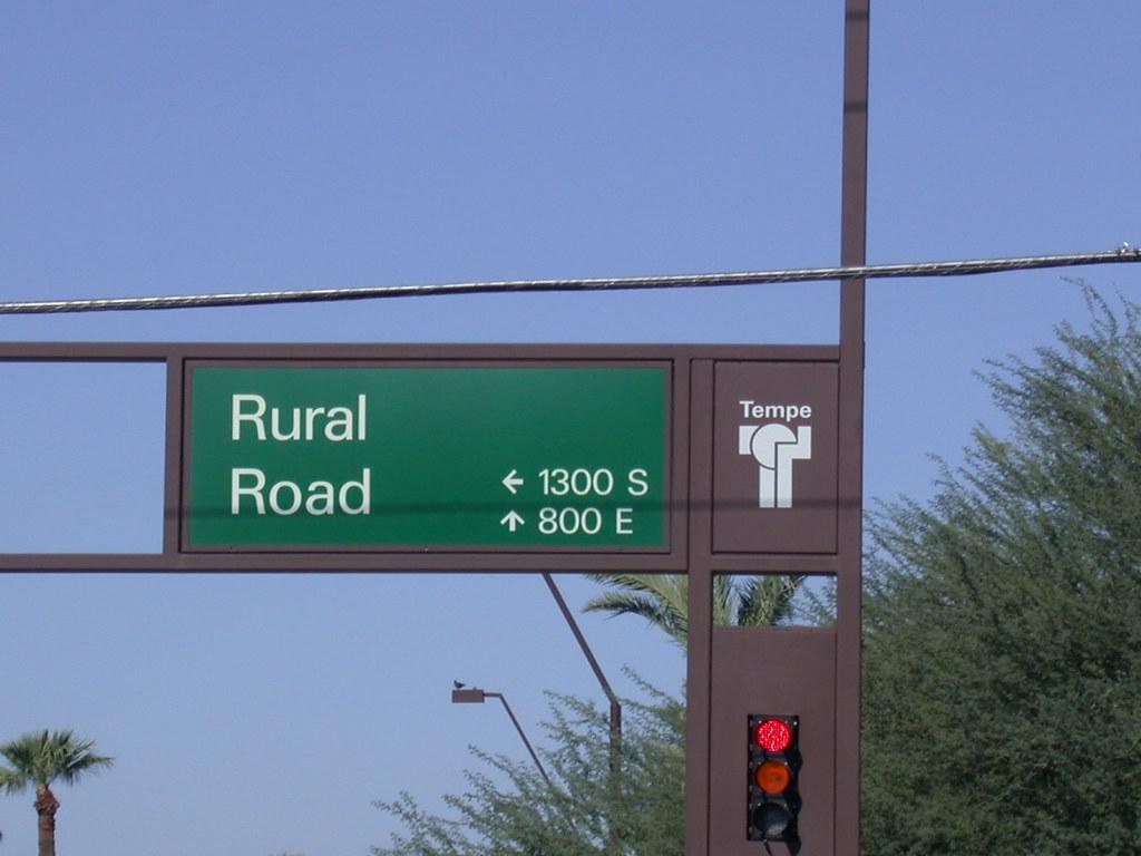 Rural Road Tempe Arizona Has The Biggest Street Signs Ev Flickr