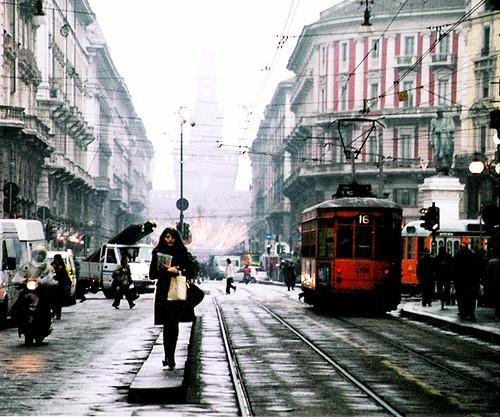 Scatto di strada a Milano, dicembre 2004
