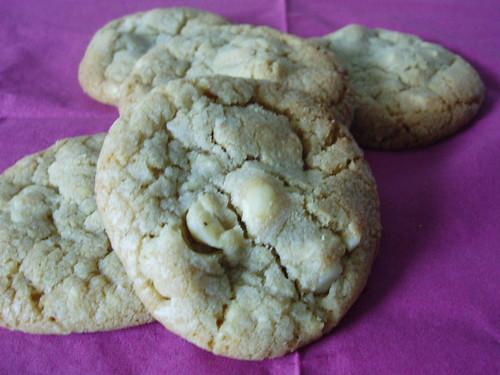 Macadamia-Cookies mit weißer Schokolade