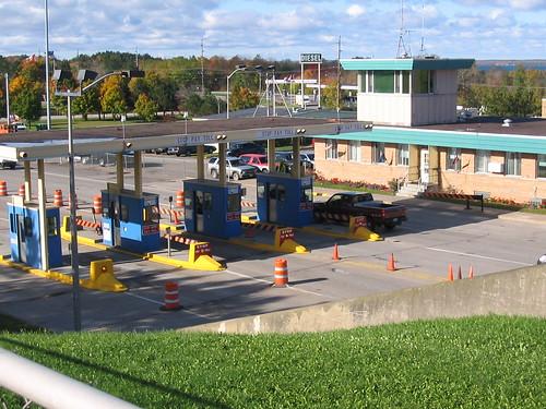 internationalbridge tollbooth