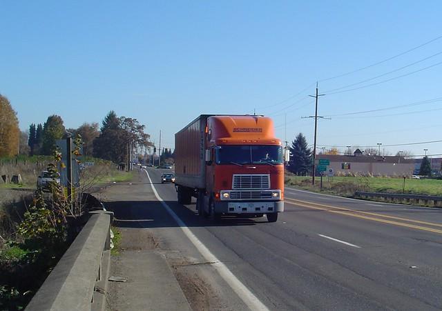 Schneider National Trucking, International Tractor