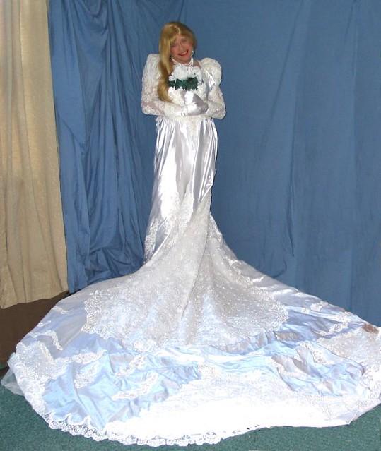 shemales-wearing-wedding-dress