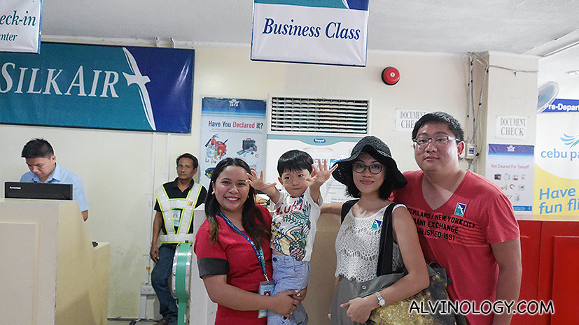 Took a picture with the friendly SilkAir staff at Kalibo Airport